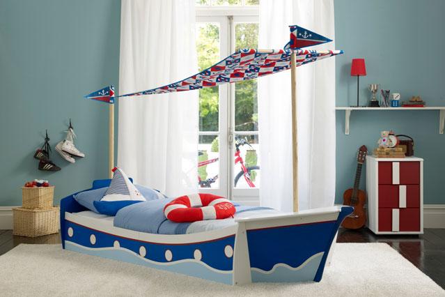 кровать машинка, кровать лодка, необычные кровати для детей