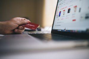 как выплатить долг по кредитной карте