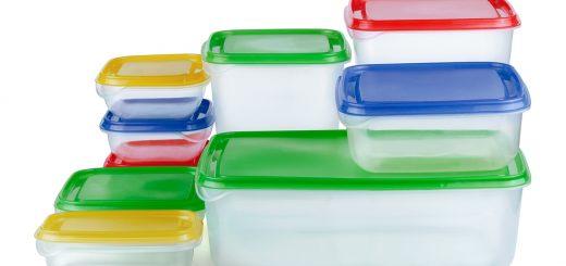 Как избавиться от пятен и запаха пластикового контейнера