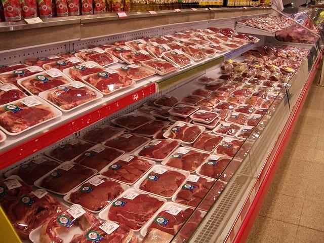 купить мясо в супермаркете